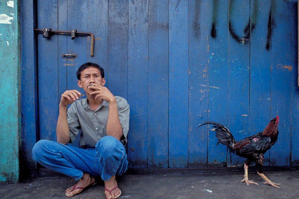 Uvutaji wa sigara bara la Asia.