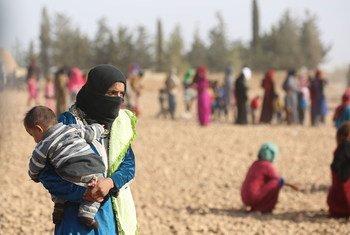 Desplazados por la violencia en Raqqa. Foto de archivo: UNICEF/UN039561/Soulaiman