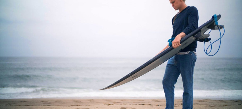 联合国开发署海洋保护倡导者、澳大利亚歌手科迪·辛普森(Cody Simpson)。