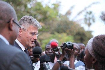 Le Secrétaire général adjoint des Nations Unies chargé des opérations de maintien de la paix, Jean-Pierre Lacroix, lors d'un déplacement àKananga, au Kasaï, en RDC, le mercredi 14 juin 2017. Photo MONUSCO/Biliaminou Alao