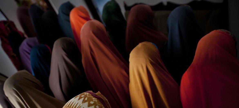 Mujeres en un refugio para víctimas de violencia sexual y de género en Mogadishu, Somalia. Foto: UNICEF / Holt
