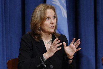 Josette Sheeran, former Executive Director of the United Nations World Food Programme (WFP), briefs journalists at UN Headquarters in January 2010.