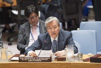 联合国秘书长阿富汗事务特别代山本忠通(Tadamichi Yamamoto)在安理会会议上发言。联合国图片 /Eskinder Debebe
