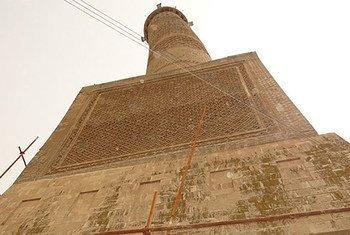 أرشيف: مئذنة الهضبة الشهيرة في مسجد النوري بالموصل -العراق