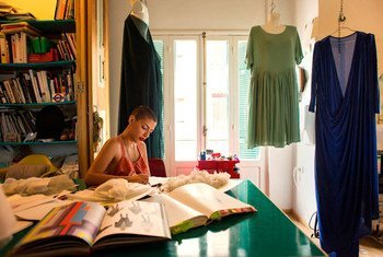 Lara Khoury, créatrice de vêtements dans son studio à Beyrouth, au Liban.