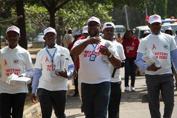 世界艾滋病日,尼日利亚人民走上街头,提高艾滋病的意识。图片:联合国艾滋病规划署。