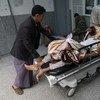 Un paciente con cólera es ingresado en un hospital de Sana´a. Foto:  Giles Clarke para UNOCHA