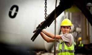 巴拿马运河扩建工程。投资于基础设施建设对于促进可持续发展至关重要。
