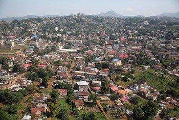 Freetown, la capitale du Sierra Leone. Photo Dominic Chavez/Banque mondiale
