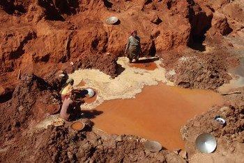 L'exploitation minière artisanale est responsable de près de 35% des émissions mondiales de mercure dans l'environnement. Photo Fonds mondial pour l'environnement