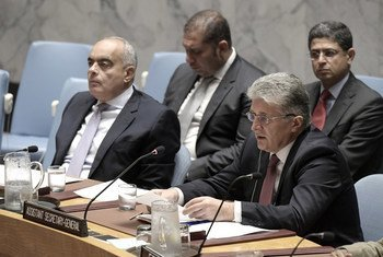 Miroslav Jenca (right), Assistant Secretary-General for Political Affairs, addresses the Security Council on the situation in the Middle East. At his side is Ambassador Abdel Latif Aboulatta, Permanent Representative of Egypt to the UN and President of the Council for August.