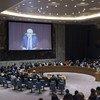 Le Représentant spécial et Chef de la Mission d'appui des Nations Unies en Libye (MANUL), Ghassan Salamé, s'adressant au Conseil de sécurité par visioconférence fin août 2017. Photo ONU / Kim Haughton