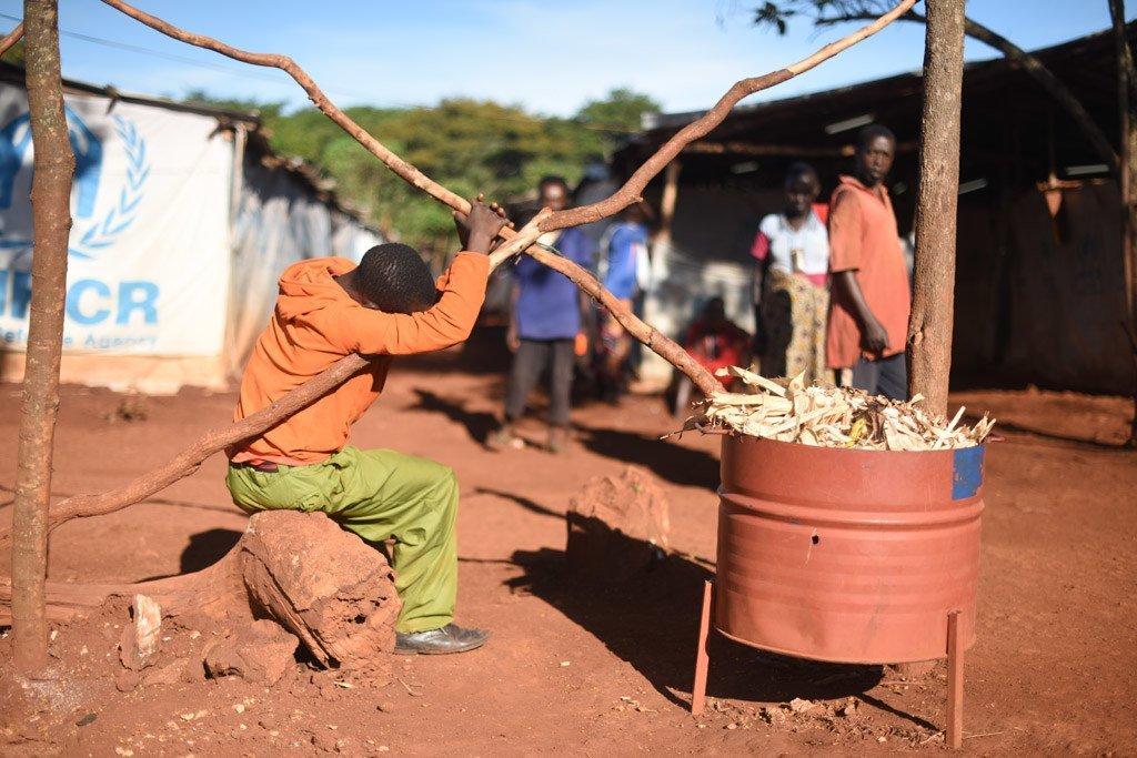 Mkimbizi kutoka Burundi anayeishi kwenye kambi ya Nduta mkoani Kigoma nchini Tanzania .