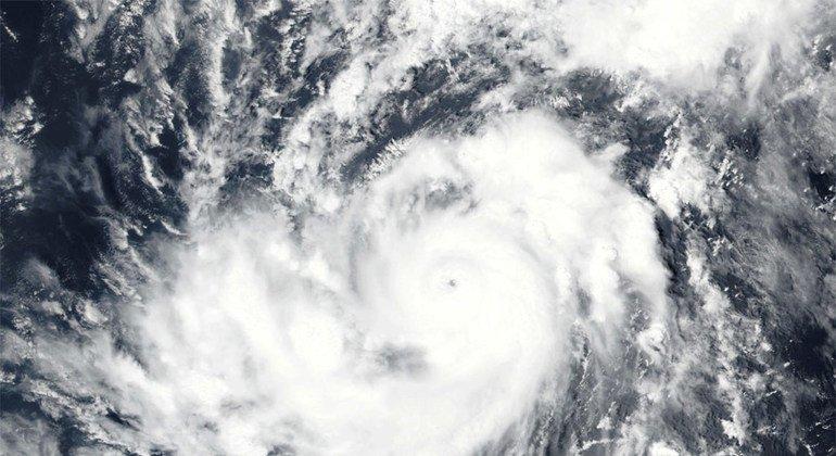 Спутниковые снимки урагана «Ирма» в Атлантическом океане.  Фото NOAA