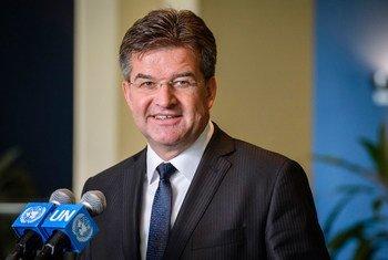 Miroslav Lajčák, Président de la 72e session de l'Assemblée générale, devant la presse en mai 2017. Photo ONU/Manuel Elias