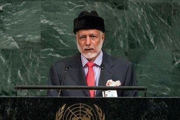يوسف بن علوي وزير الشؤون الخارجية في عمان يلقي كلمة أمام مداولات الجمعية العامة للأمم المتحدة.