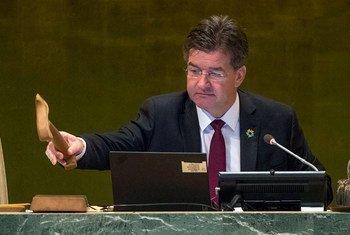 Le Président de l'Assemblée générale des Nations Unies, Miroslav Lajcák, à la clôture du débat général de la 72e session de l'Assemblée générale. Photo ONU/Cia Pak