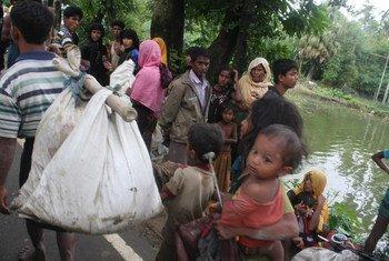 Беженцы из Мьянмы в Бангладеш.  Фото УВКБ
