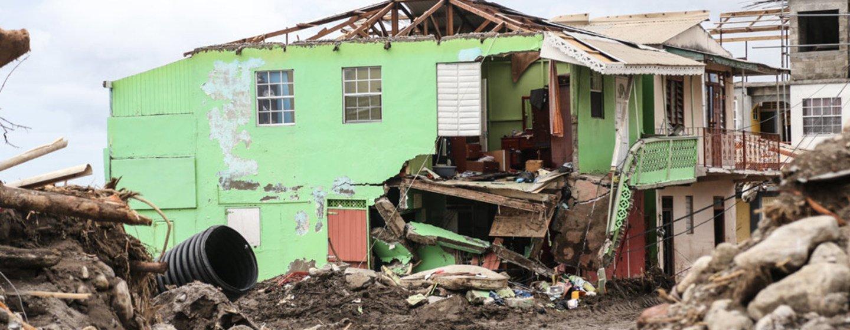 Casa destruida por el huracán Irma en Dominica.