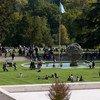 Visitantes en el Parque Ariana del Palacio de las Naciones durante la Jornada de Puertas Abiertas de la ONU en Ginebra el 7 de octubre de 2017