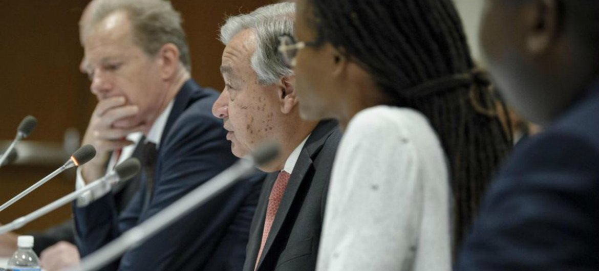 Secretary-General António Guterres addresses an event on the occasion of the World Day Against the Death Penalty on 10 October 2017. On his right is Andrew Gilmour, Assistant Secretary-General for Human Rights.