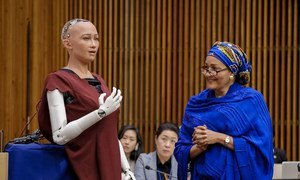 """Deputy Secretary-General Amina Mohammed has a brief dialogue with Sophia at the """"The Future of Everything – Sustainable Development in the Age of Rapid Technological Change"""" meeting."""
