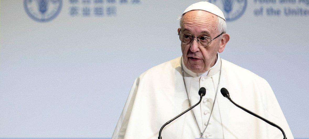 Relatora especial reagiu à decisão do papa Francisco de abolir segredo pontifício para abusos cometidos por clérigos.