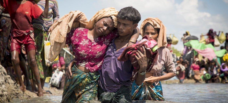 成千上万新增罗兴亚难民抵达孟加拉国。