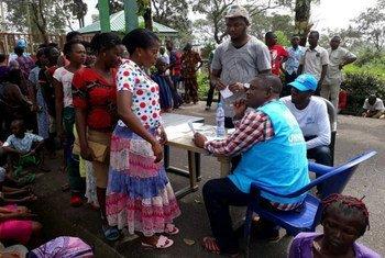 Des Camerounais fuient les violences dans les régions anglophones du Cameroun.