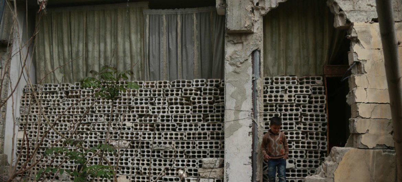 Un niño en Guta Oriental, fuera de Damasco, en Siria.