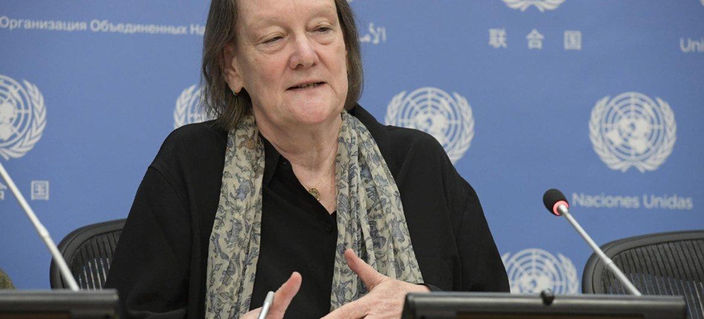 Jane Connors, Défenseure des droits des victimes pour les Nations Unies, lors d'une conférence de presse au siège de l'ONU: