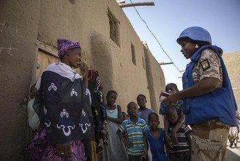 Cascos azules de la Misión de la ONU en Mali (MINUSMA), patrullan por Timbuktu. Foto: MINUSMA/Harandane Dick