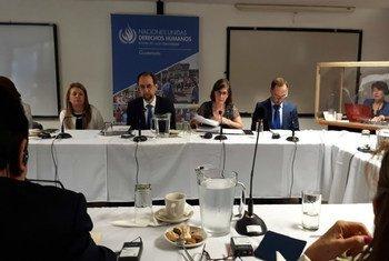 Le Haut Commissaire des Nations Unies aux droits de l'homme, Zeid bin Ra'ad Zeid al-Hussein, s'adressant à la presse lors de sa visite au Salvador. (archive)