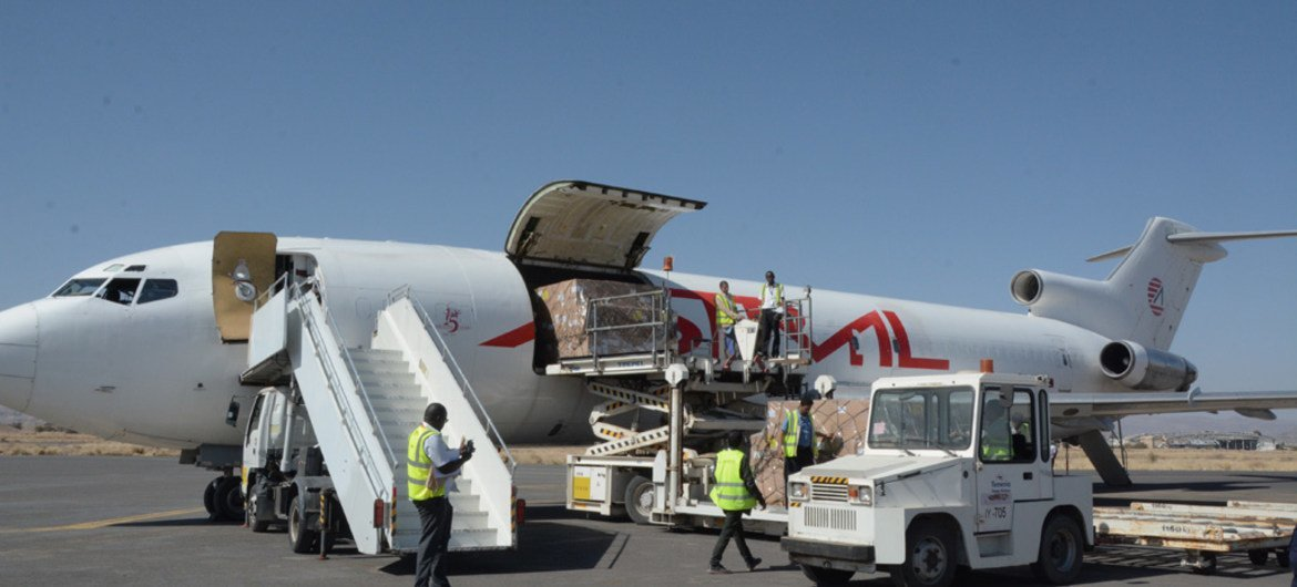 On 25 November 2017, a shipment of vaccines is delivered to the Sana'a International airport, bringing in15 tonnes of BCG, Penta and PCV vaccine supplies to protect Yemeni children from diseases such as diphtheria and tetanus. UNICEF/UN0147212/Madhok