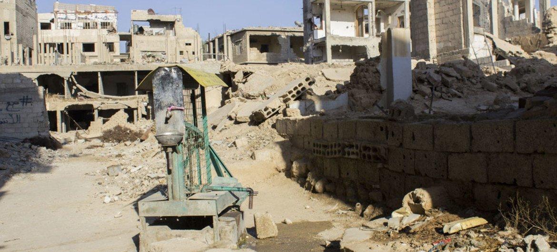 Une pompe servant de point d'eau dans la ville assiégée de La Ghouta orientale, en Syrie (archives).