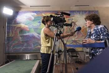 Louise Arbour (right), Special Representative for International Migration, speaks to a journalist at UN Headquarters in New York following a special event on the New York Declaration for Refugees and Migrants.