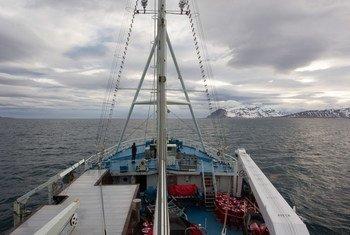 في 2018 المنطقة القطبية الشمالية  شهدت ارتفاعا غير عادي في درجات الحرارة - المحيط القطبي الشمالي. في الصورة: الأمين العام يزور المنطقة القطبية للاطلاع على آثار تغير المناخ بشكل مباشر.