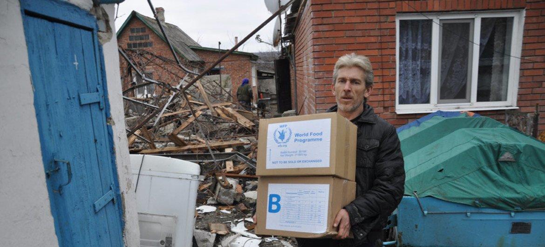 С самого начала конфликта ООН оказывает помощь мирным жителям Украины, в том числе на неподконтрольных правительству территориях этой страны.