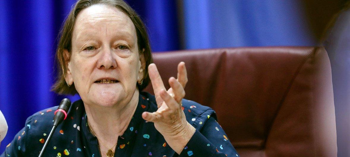 联合国性剥削受害者权利倡导员康纳斯(Jane Connors)在南苏丹首都朱巴举行新闻发布会。