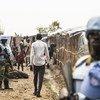 联合国南苏丹特派团对位于南苏丹团结州首府班提乌(Bentiu)的平民保护点进行巡逻。