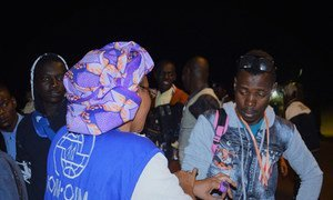 More than 500 passengers from the first of eight charter flights scheduled from Libya to Niger arrived on Wednesday 6 December.
