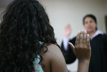 Desde el 2007, el Fondo de Población de las Naciones Unidas apoya a la Corte Suprema de Justicia de Nicaragua en su esfuerzo para promover la igualdad y la no-discriminación en el acceso a la justicia de las víctimas de violencia basada en el género. Foto: Joaquín Zúñiga
