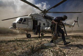 La Mission des Nations Unies en Haïti (MINUSTAH) a apporté son aide pour livrer du matériel électoral pour le scrutin du 29 janvier 2017