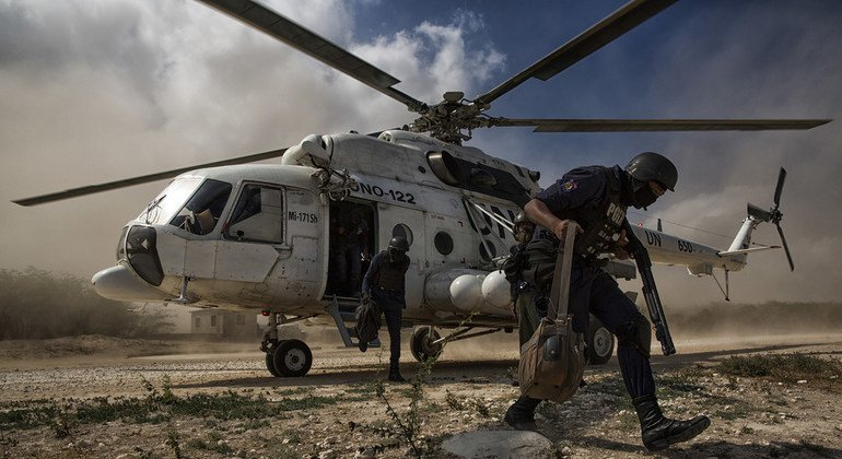 联合国海地稳定特派团为海地2017年1月举行的选举提供材料,并在选举之前部署安保人员。联合国图片/Logan Abassi