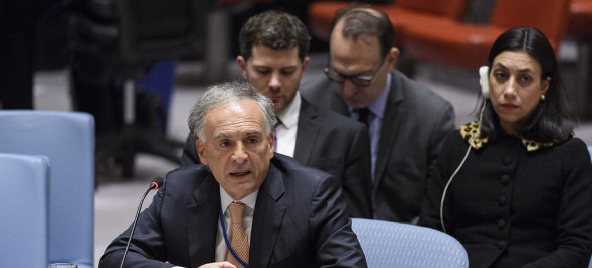 Jean Arnault, Special Representative and Head of the UN Verification Mission in Colombia, briefs the Security Council.