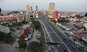 Vue du centre-ville de Kinshasa, la capitale de la République démocratique du Congo. Photo MONUSCO/Myriam Asmani