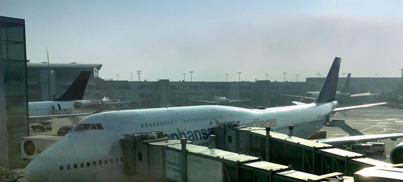 Самолет в аэропорту Франкфурта. Фото  ООН