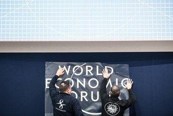 Préparatifs pour la session 2018 du Forum économique mondial de Davos, en Suisse. Photo Forum économique mondial/Mattias Nutt