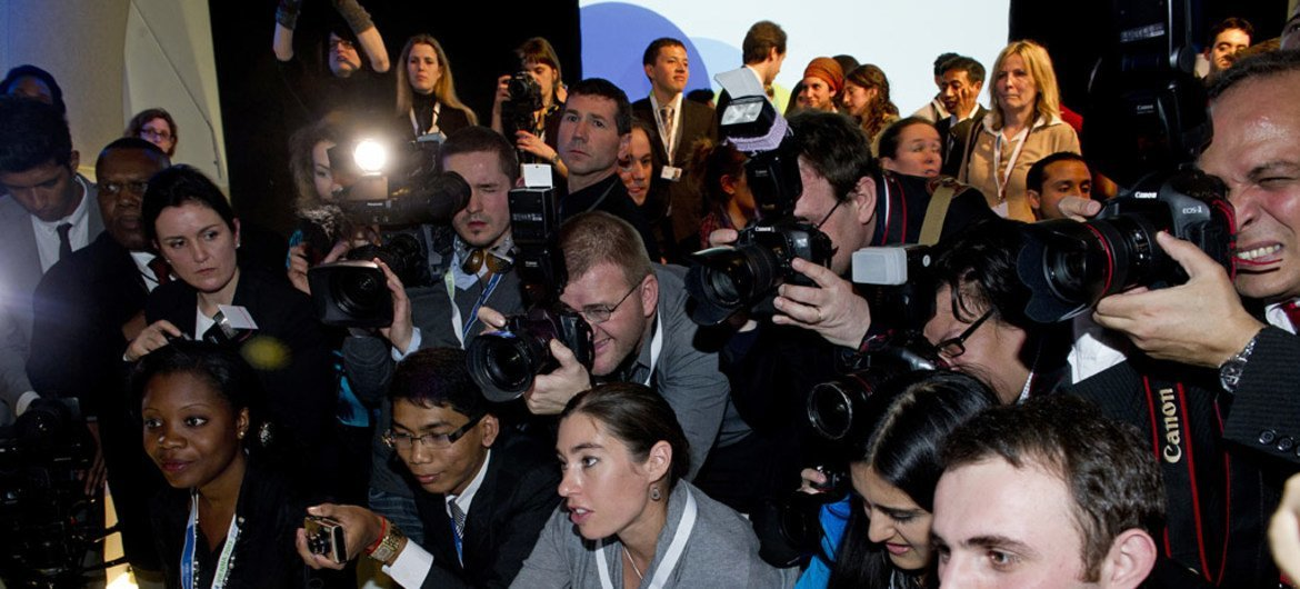 A group of young people at the Fifth Global Forum of the UN Alliance of Civilizations. (file)