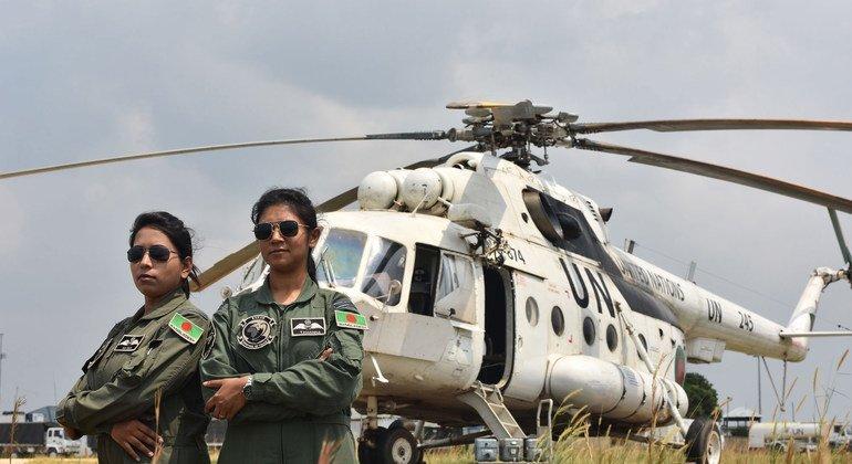 Найма Хак и Таманна Лютфи пилоты военного вертолета из Бангладеш несли службу в составе миротворческого контингента ООН в ДРК в 2017 году